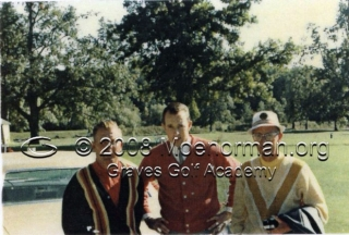 1965_moe_norman_at_course_with_other_golfers